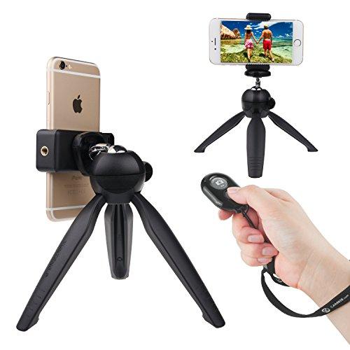ユニバーサル・ワイヤレスセルフィーキットBluetooth リモートコントロール、プレミアム三脚付き - 30フィートまでの距離からハンズフリーのカメラシャッターコントロール - iOS、アンドロイド スマートフォン向け (Bluetooth リモートコントロール + プレミアム三脚付き, 黒)