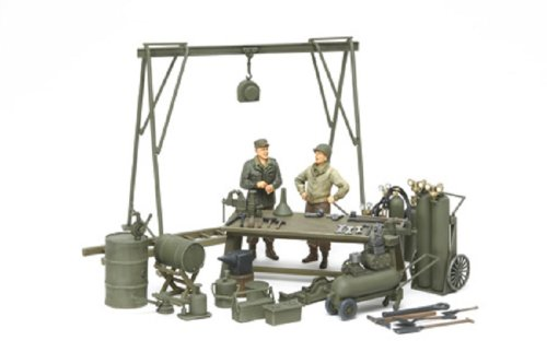 スケール限定シリーズ 1/35 アメリカ軍 メンテナンスヤードセット (人形2体付き) 25106