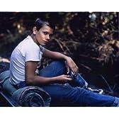 ブロマイド写真★『スタンド・バイ・ミー』リバー・フェニックス/カラー/線路わきに座る