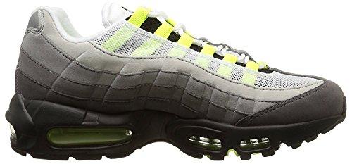 (ナイキ) Nike ナイキ エアマックス 95 メンズ ランニング シューズ Nike Air Max 95 Men`s Running Shoes 554970-071 Black/Volt/Pewter (並行輸入品) buyjiku