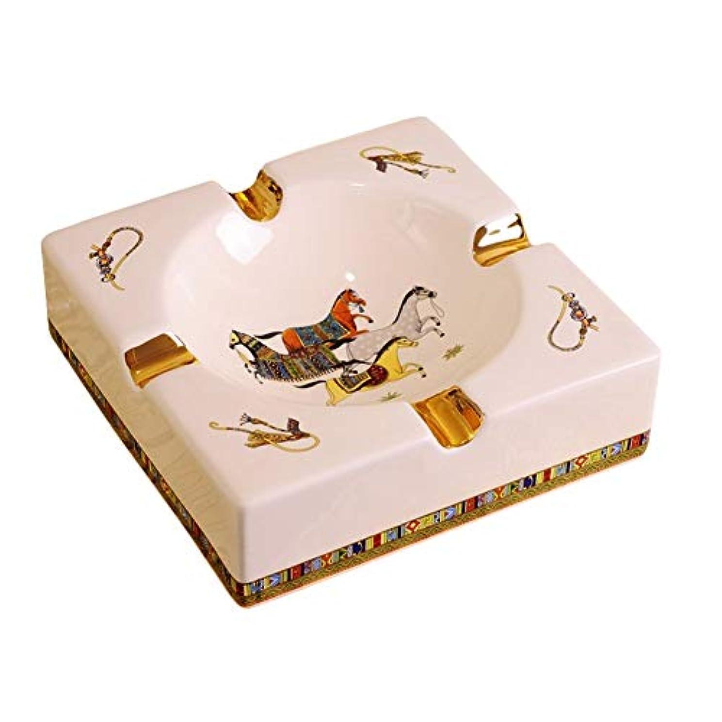 ロードされたのヒープ蒸発する4溝馬のパターンデスクトップで豪華ヨーロッパスタイルの葉巻灰皿屋内屋外のエレガントなホームデコレーション用の灰皿喫煙