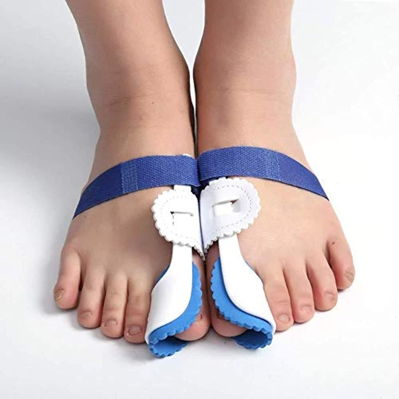 効能石油運賃足の親指の装具の足プロテクター、外反母趾装具ブレース外反母趾のための調節可能なベルクロの足の毛のストレート