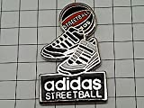 アディダス 靴 限定レア ピンバッジ アディダスのスニーカー靴ピンズフランス