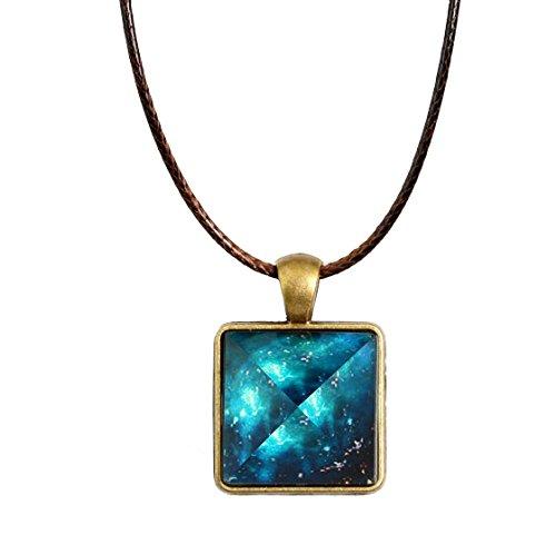 [ Alnair (アルナイル)] 夜光 天然 水晶 ペンダント 光る ネックレス 光補給 パワーストーン アクセサリー 蓄光 ピラミッド ...