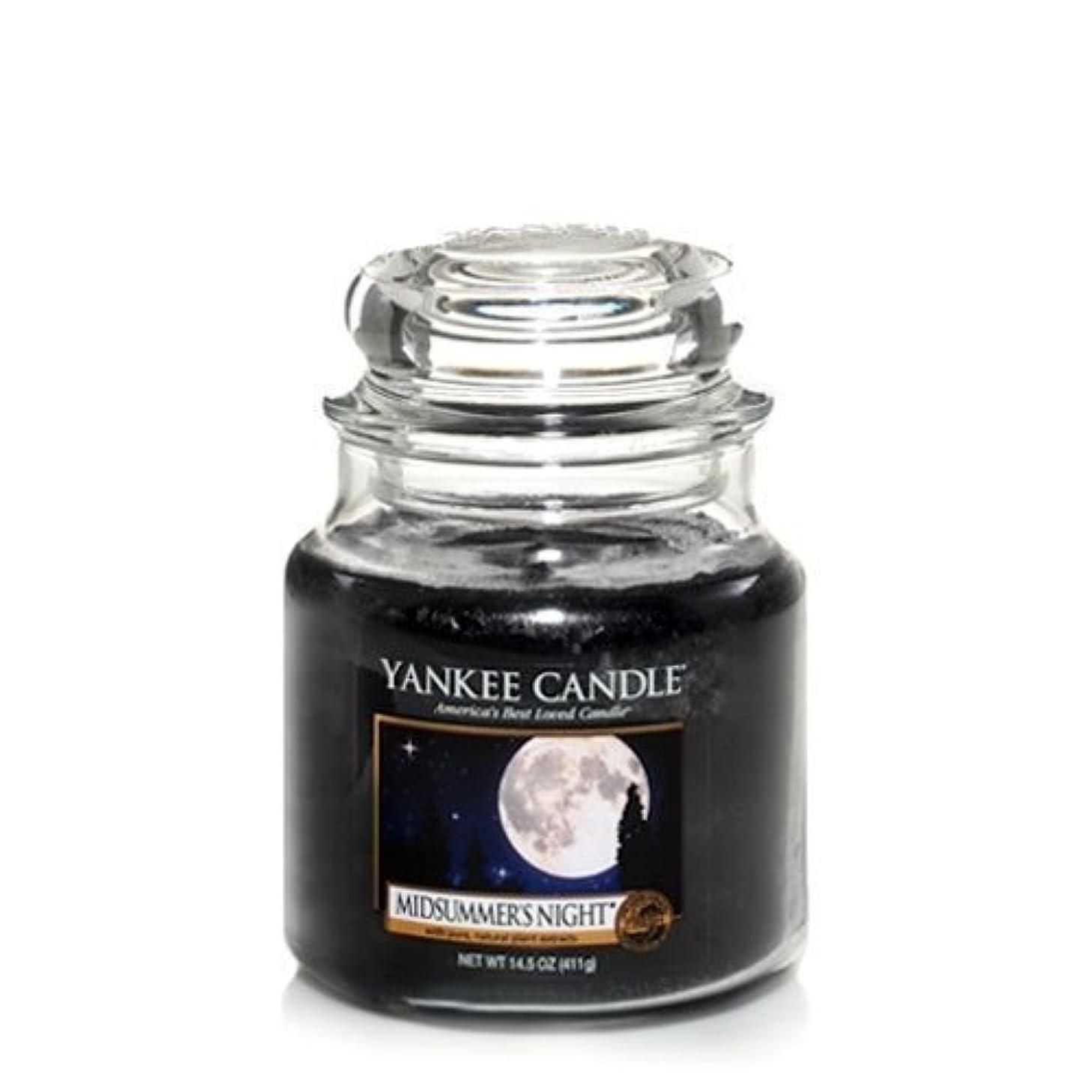 悲劇電池たくさんのYankee Candle Midsummer's Night Medium Jar Candle, Fresh Scent by Yankee Candle [並行輸入品]