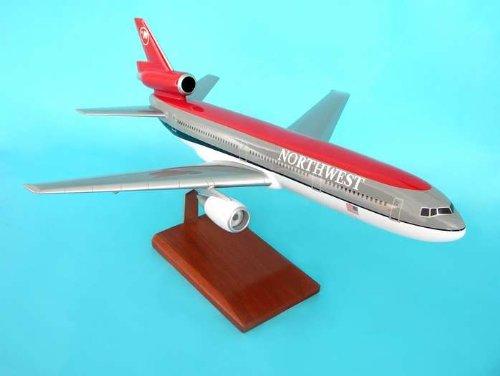 1: 100 エグゼクティブシリーズ Northwest 航空 DC-10 Old Colors with Wooden Base (並行輸入)