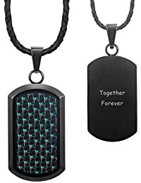Willis Juddメンズブラックステンレススチール犬タグペンダントEngraved Together Forever withグリーンカーボンファイバーonレザーネックレスin aベルベットギフトポーチ