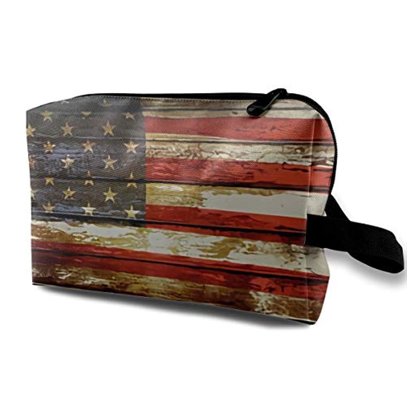 混乱揮発性ホースAmerican Flag 収納ポーチ 化粧ポーチ 大容量 軽量 耐久性 ハンドル付持ち運び便利。入れ 自宅?出張?旅行?アウトドア撮影などに対応。メンズ レディース トラベルグッズ