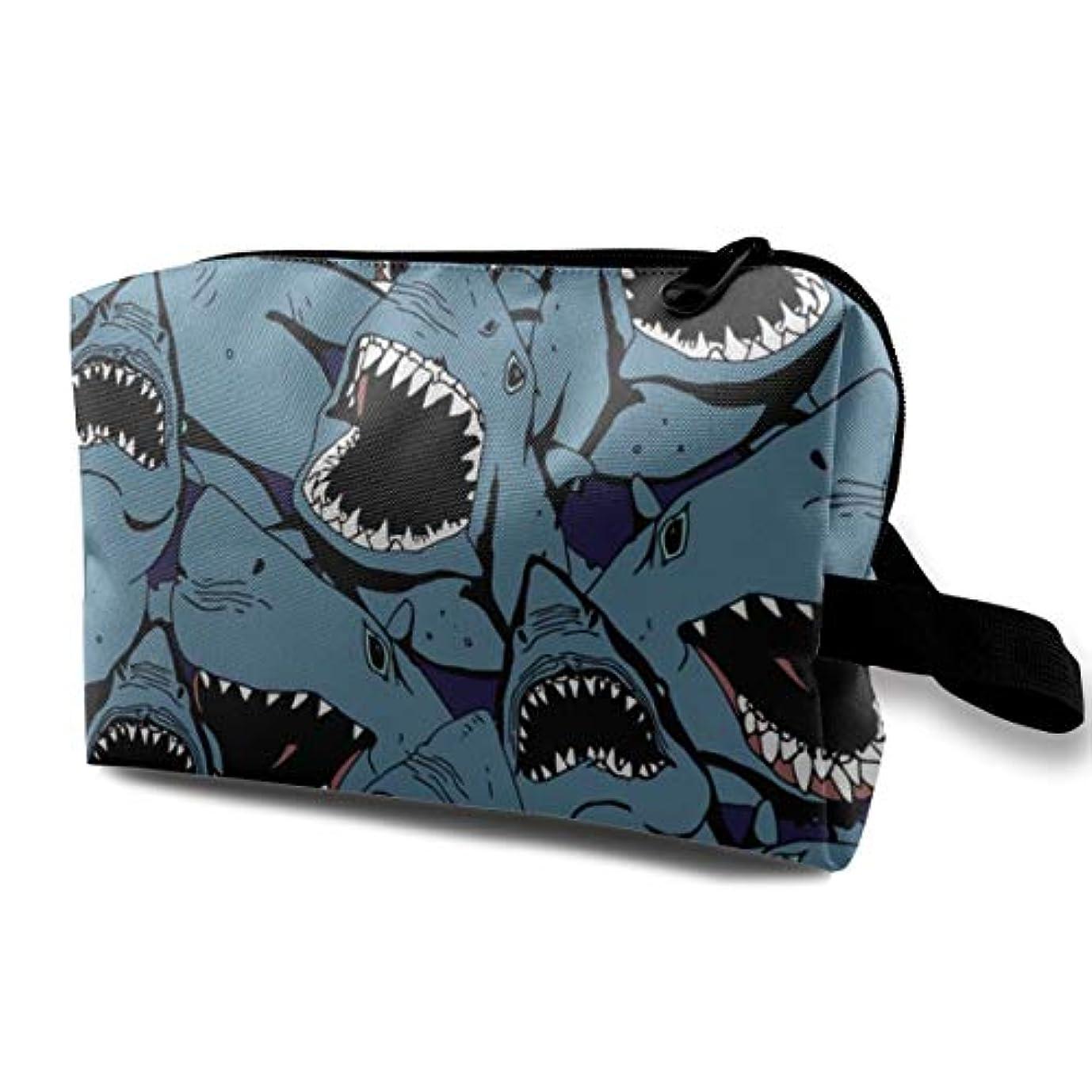 シーサイド否定する乗算Angry Shark 収納ポーチ 化粧ポーチ 大容量 軽量 耐久性 ハンドル付持ち運び便利。入れ 自宅?出張?旅行?アウトドア撮影などに対応。メンズ レディース トラベルグッズ