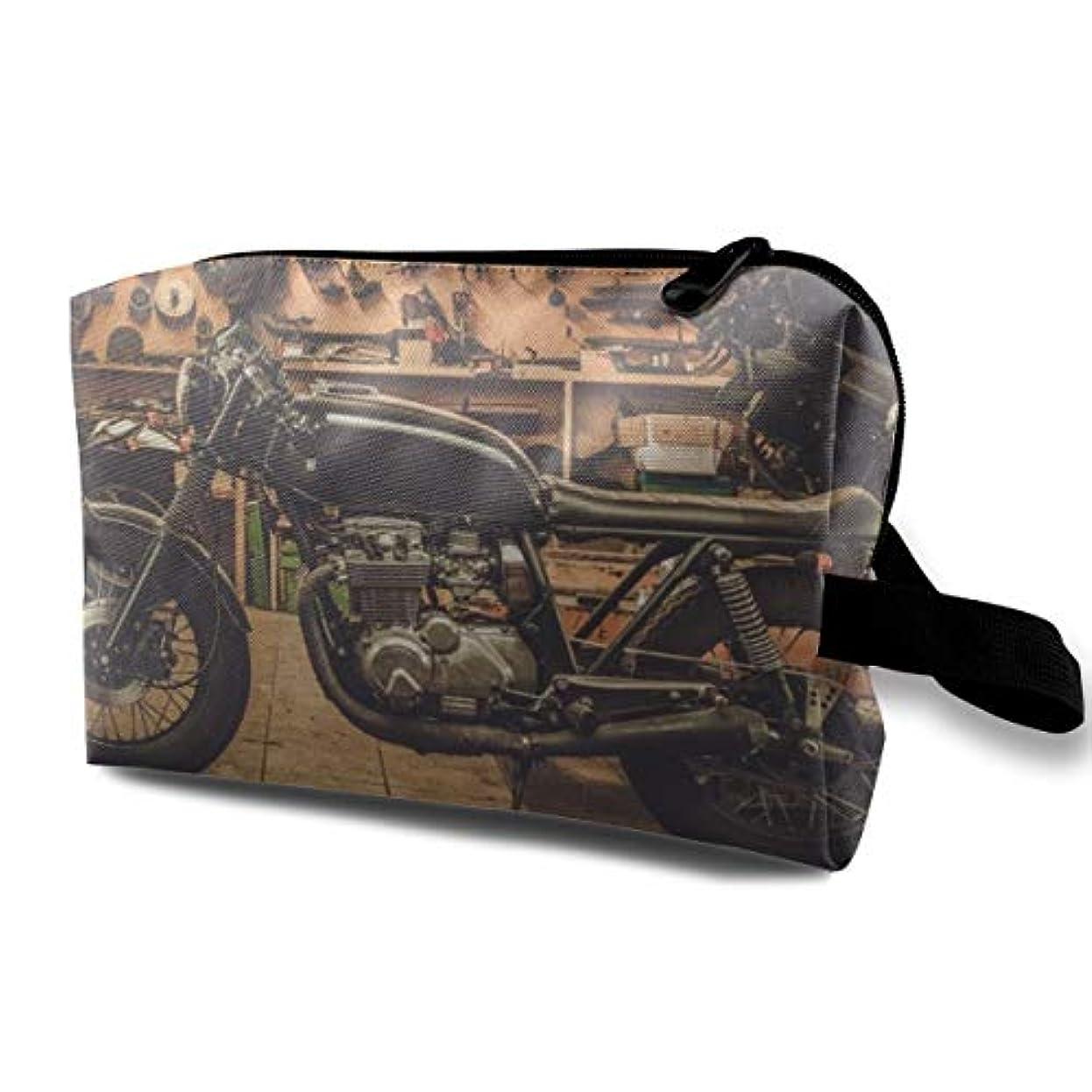 無線派手追うVintage Style Cafe-racer Motorcycle 収納ポーチ 化粧ポーチ 大容量 軽量 耐久性 ハンドル付持ち運び便利。入れ 自宅?出張?旅行?アウトドア撮影などに対応。メンズ レディース トラベルグッズ