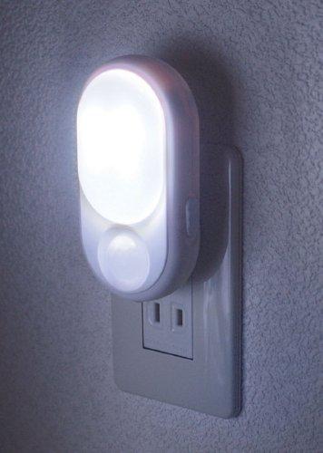 ELPA LEDセンサー付ライト PM-L240