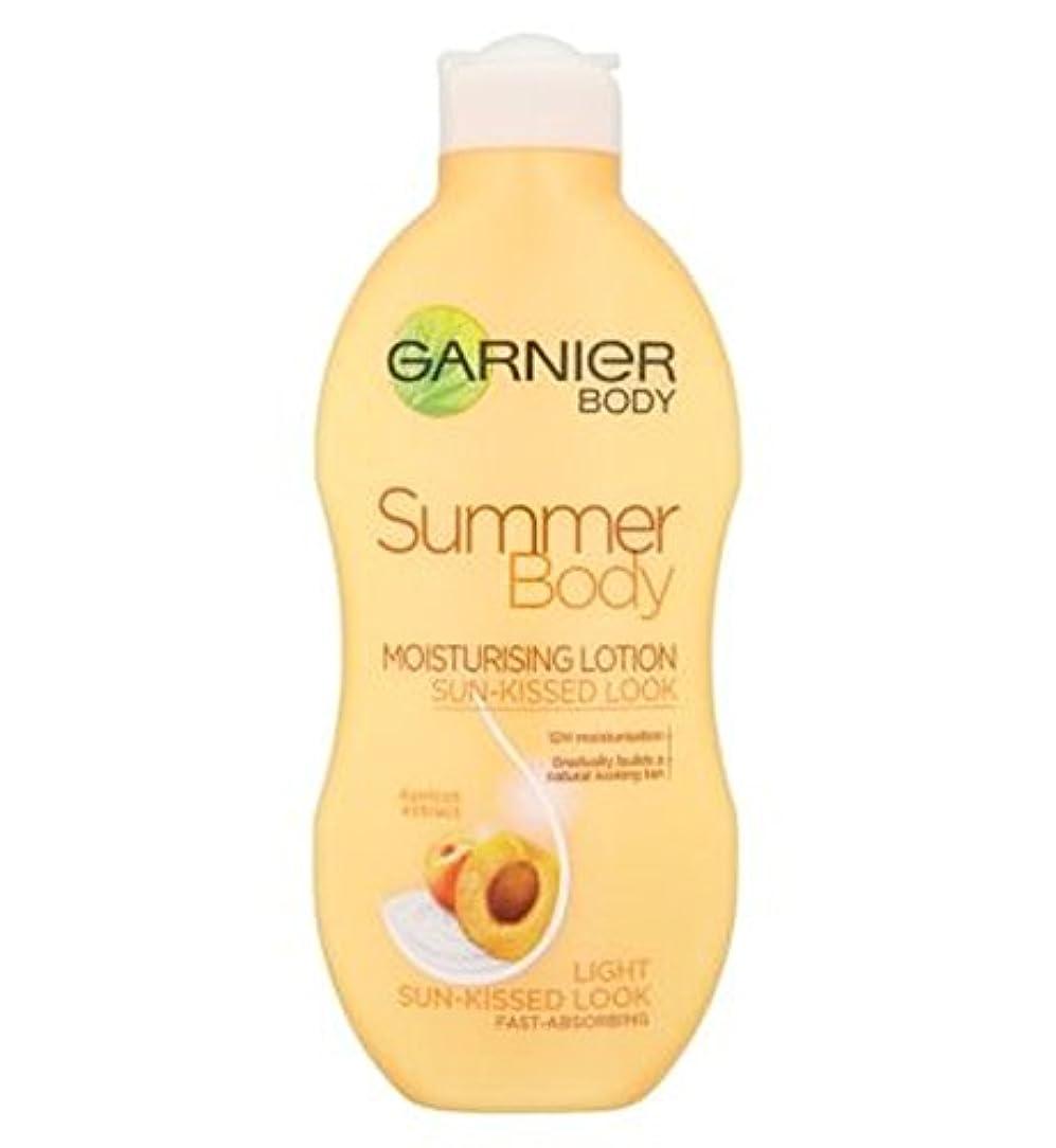 復讐赤面降下Garnier Summer Body Lotion Light Sun-Kissed 250ml - ガルニエの夏のボディローションライト日、キスをした250ミリリットル (Garnier) [並行輸入品]