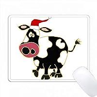 サンタクロースハットクリスマスアートのおかしい黒と白の牛 PC Mouse Pad パソコン マウスパッド