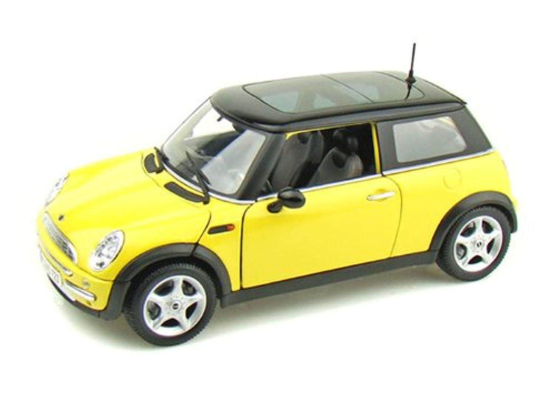 Maisto (マイスト) Mini Cooper (ミニクーパー) with Sun Roof 1/18 Yellow MA31656-YW ミニカー ダイキャスト 自動車 (並行輸入)