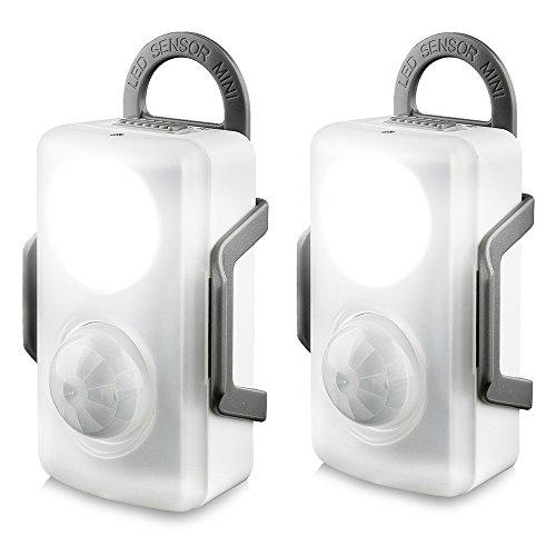 QPAU ナイトライト 人感センサー 足元ライト 軽量 省エネ マグネット+両面テープ+タッピングねじ+取り外し可能なホルダー付き 乾電池式 昼白色 「2個入り」
