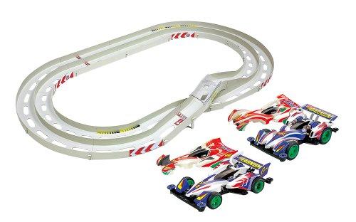 ミニ四駆限定シリーズ オーバルホームサーキット 立体レーンチェンジ (サイクロンマグナム & ビートマグナム スペシャルキット付) 94918