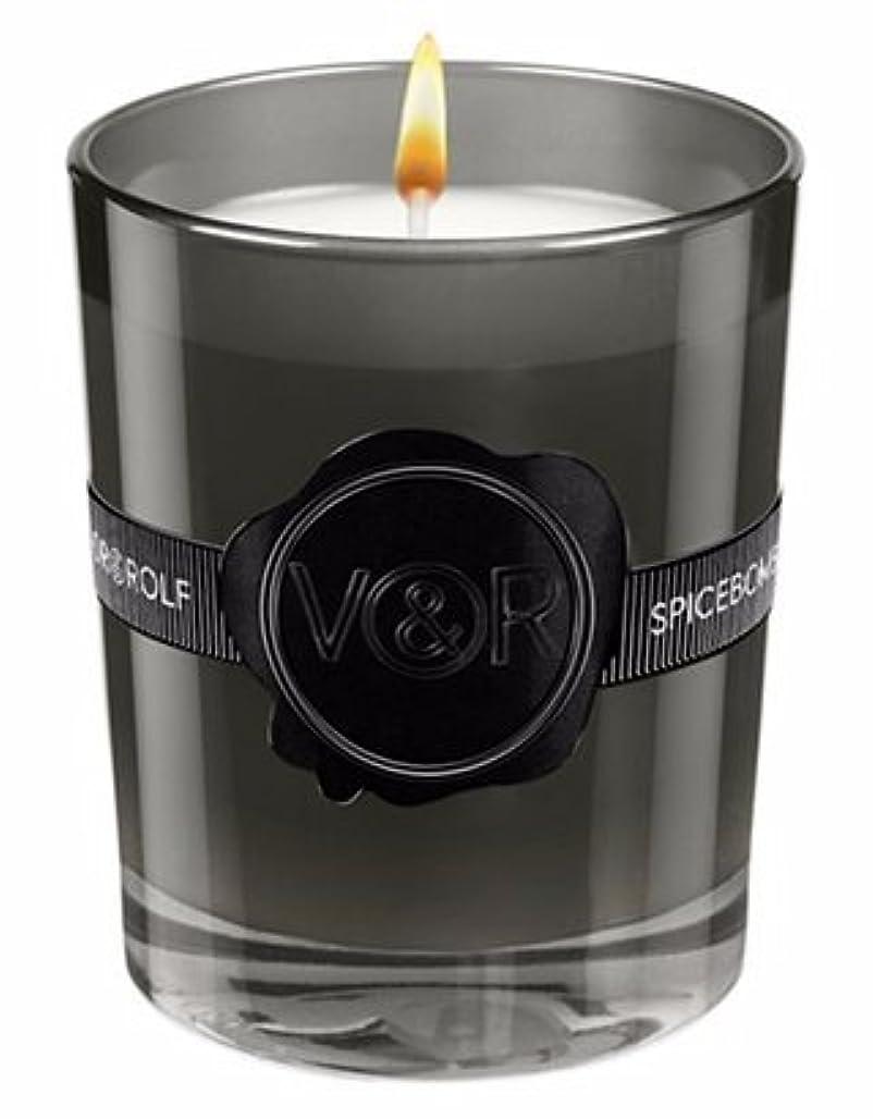 臭い輪郭に付けるViktor & Rolf Spicebomb Scented Candle
