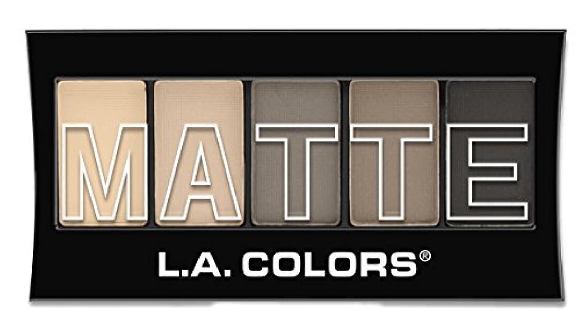 思いやりのある時計回りジャングルL.A. Colors Matte Eyeshadow - Nude Suede (並行輸入品)