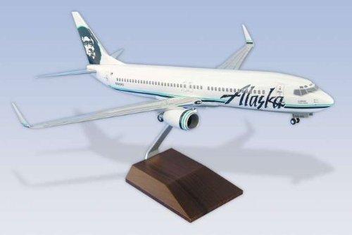1: 100 スカイマークスSuprem Alaska 航空 ボーイング 737-800 Wooden Base (並行輸入)