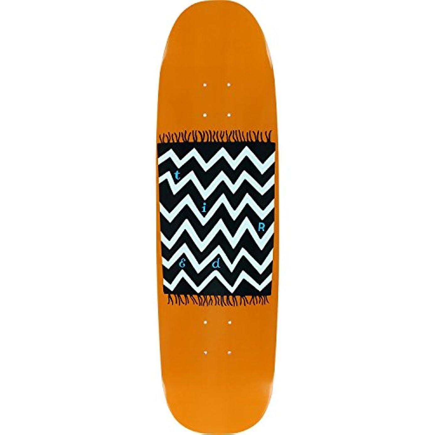 私の立証する検体疲れているカーペットonチャックスケートボードデッキ-8.62 X 31.75 – Assembled as complete skateboard