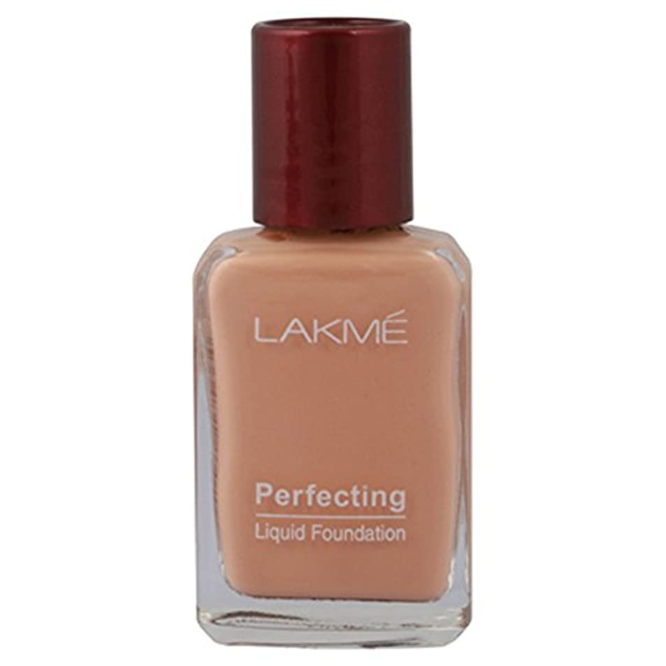 日食退屈な制限Lakme Perfecting Liquid Foundation, Pearl, 27 ml