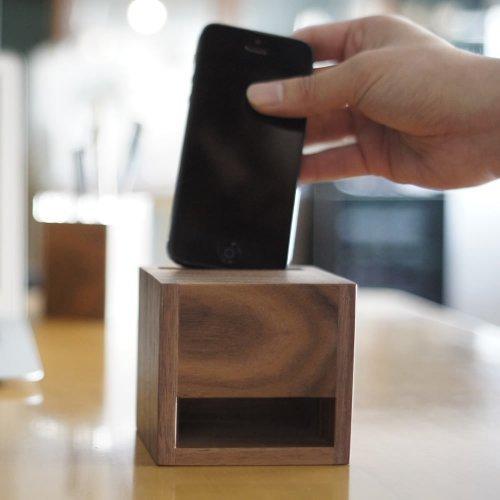 【NEW FAMILY TREE】iPhone 木製スピーカースタンド ウォールナット 電源不要