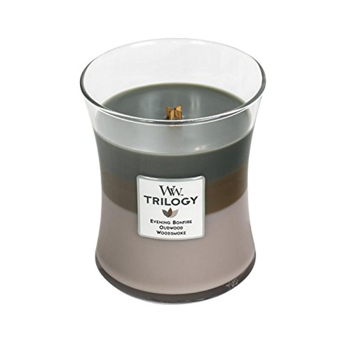垂直信じるスーツケースWoodwick Trilogy Cozy Cabin、3 - in - 1 Highly Scented Candle、クラシック砂時計Jar、Medium 4インチ、9.7 Oz
