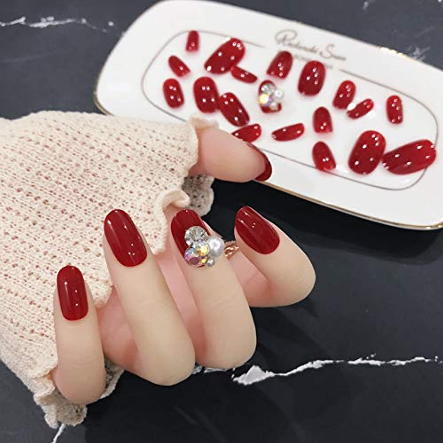 取る頭前件24枚純色付け爪 合成ダイヤモンド、パール装飾 ネイル貼るだけネイルチップ お花嫁付け爪