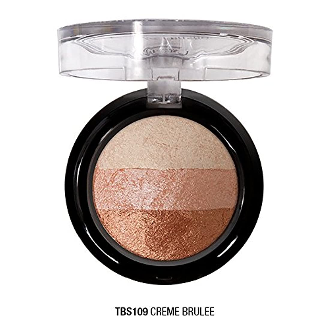 ナチュラル中に箱J. CAT BEAUTY Triple Crown Baked Shadow - Creme Brulee (並行輸入品)