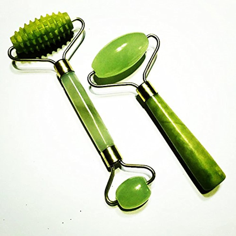 蒸発服を洗うパーツEcho & Kern 二点 グリーンアベンチュリンの美顔ローラーフェイスマッサジギザギザ付きでローラー2pcs The Green Jade roller textured spiky Jade roller 100%...