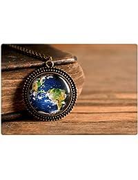 惑星地球のペンダント、アンティーク真鍮ペンダント、ガラスドームペンダント、アンティーク真鍮ネックレス、ガラスのネックレス、惑星地球のネックレス