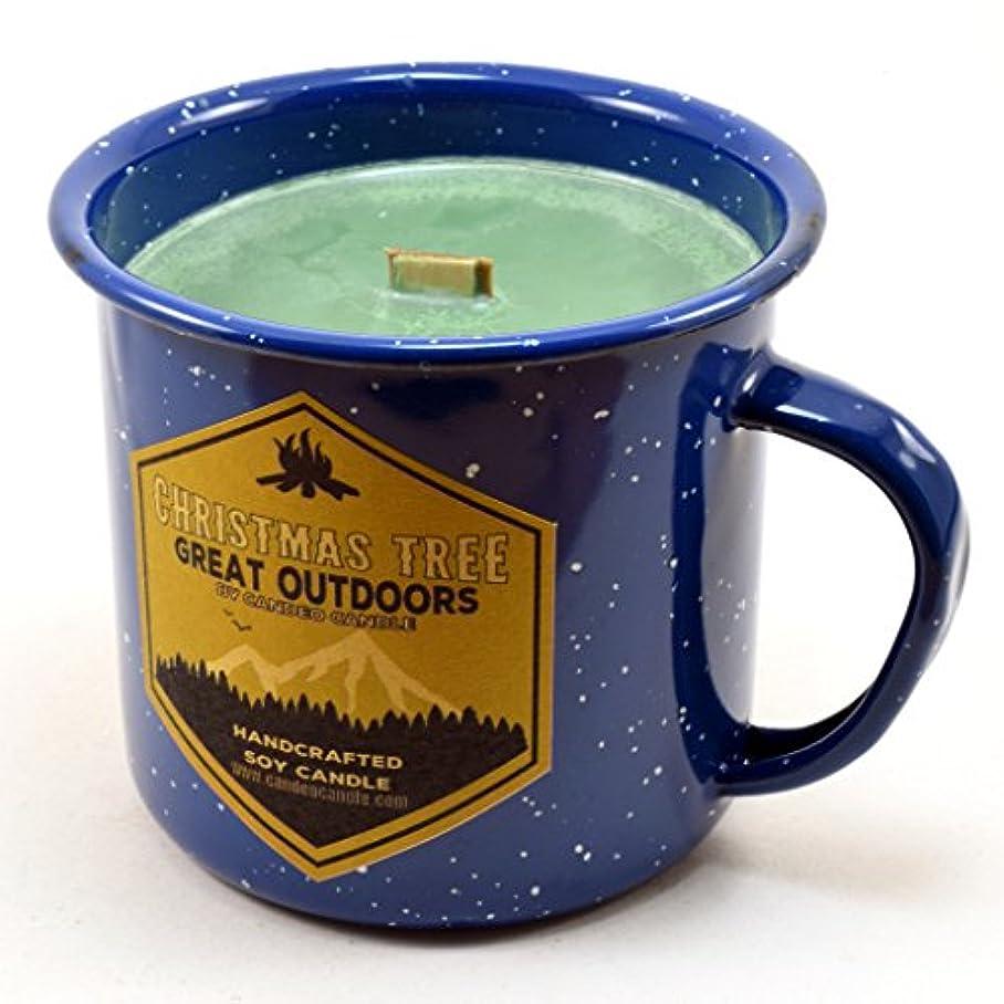 リップ百万天のクリスマスツリーウッド芯Soy Candle in anエナメルキャンプマグカップ、10オンス