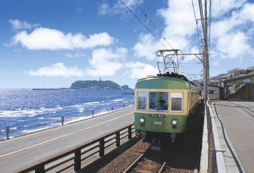 300ピース ジグソーパズル めざせ! パズルの達人 海岸沿いを走る江ノ電 (26x38cm)
