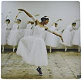 CONVERSE 3dRose LLC Happy Ballet Dancer with a Romantic Dress Yet Wearing Converse Snickers Pattern Mouse Pad (mp_10015_1) [並行輸入品]