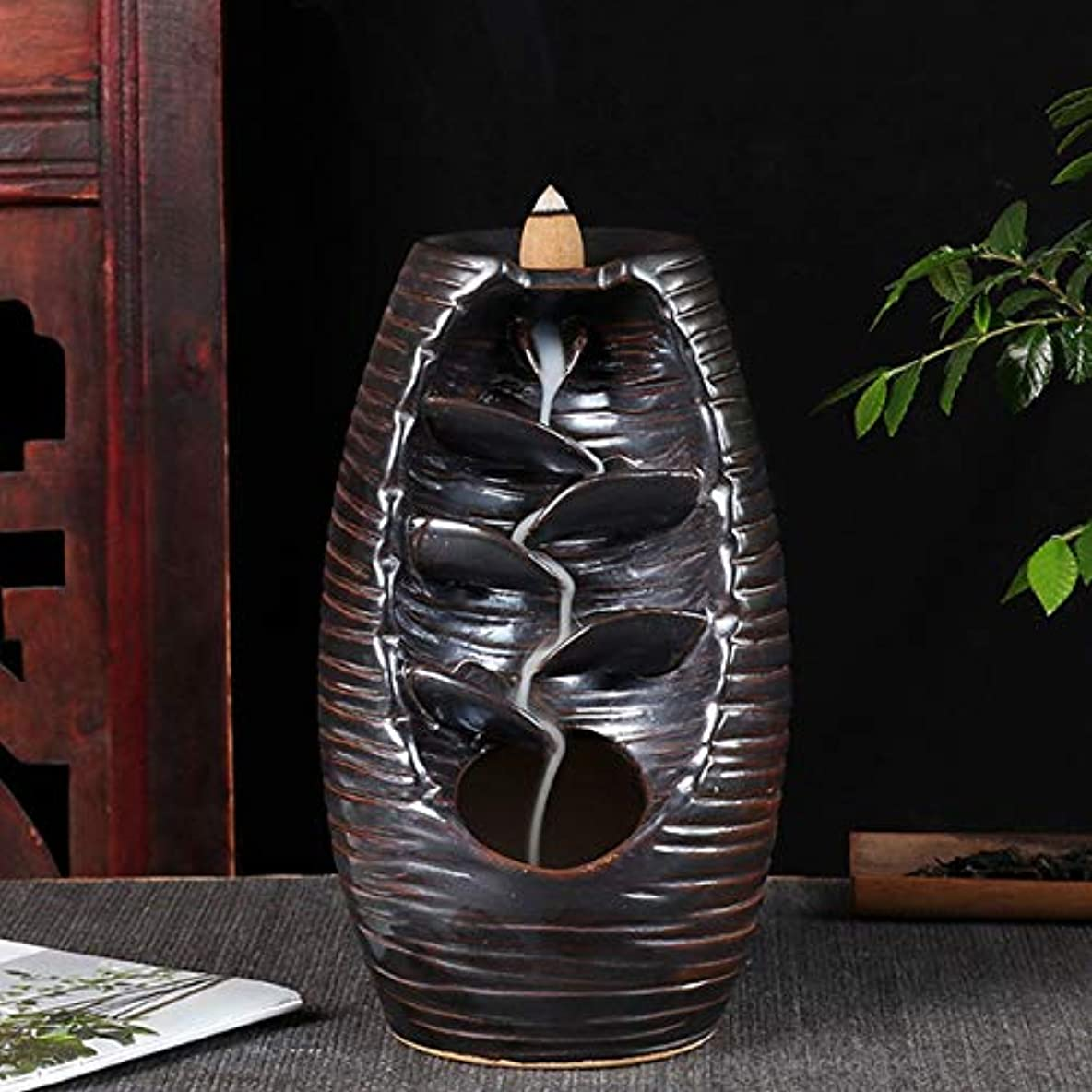 クラウンシンジケート意図的Vosarea 逆流香バーナー滝香ホルダーアロマ飾り仏教用品(黒)