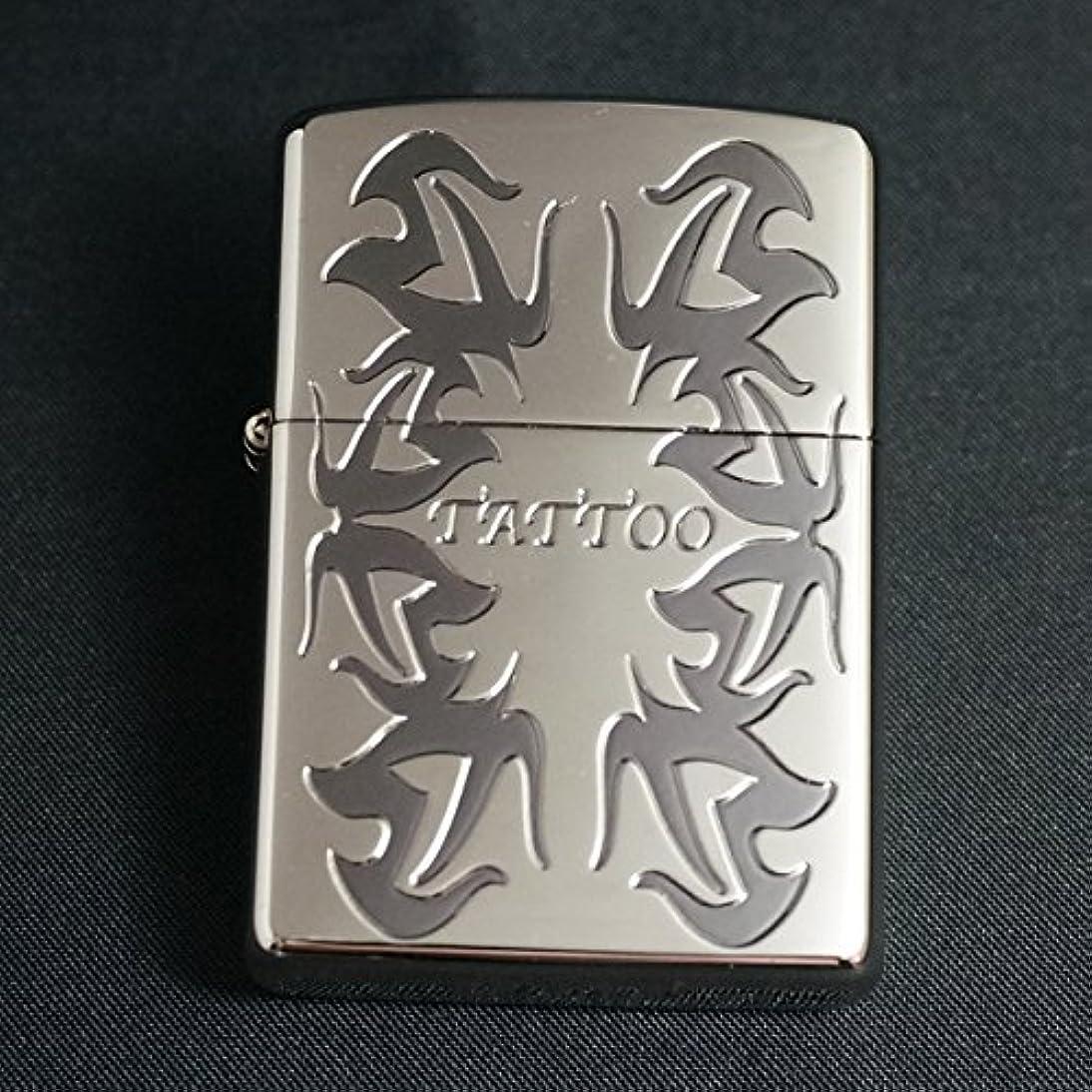 感嘆符机見落とすzippo(ジッポー) TATTOOデザイン SV 2005年製造