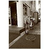 東京都港区青山表参道交差点付近の警察自転車白黒のポストカード絵葉書はがきハガキ葉書postcard