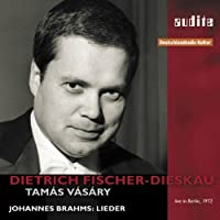 Dietrich Fischer-Dieskau Sings Songs By Brahms by JOHANNES BRAHMS (2010-05-25)