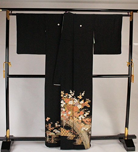 黒留袖 梅鉢紋付 正絹 比翼付 太鼓橋 花瓶に菊柄 着物 お仕立上り(幅広) TQK-32