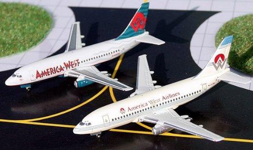 1: 400 ジェミニジェット America West 航空 ボーイング 737-200 Two Plane Set (Old Colors and New Colors) (並行輸入)