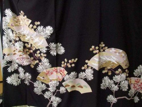 【net】 新品 お仕立て上がり正絹黒留袖 吉祥扇面文様 to256