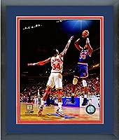 """Patrick Ewing New York Knicks NBAアクション写真(サイズ: 18"""" x 22"""" )フレーム入り"""