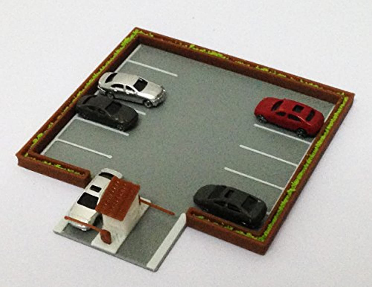 Outland Models Railroad Layout Outdoor Car Parking Lot with 5 Cars Z Scale 1:220