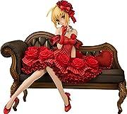 原型制作:小澤真吾彩色:星名詠美『Fateシリーズ』より「アイドル皇帝/ネロ」が登場!2015年エイプリルフール企画【TMitter2015】でお披露目された芸能事務所インペリアルローマ・プロダクション所属アイドル兼社長のアーティスト写真をまさかの立体化!たっぷりと薔薇の装飾が施された真紅のドレスに華奢な身体を飾るパールのジュエリーやリボン付きのパンプス。布張りのカウチソファの精緻な彫刻まで余すところなく再現いたしました。華やかで愛らしいアイドル皇帝の御姿、是非お手元でご堪能ください。