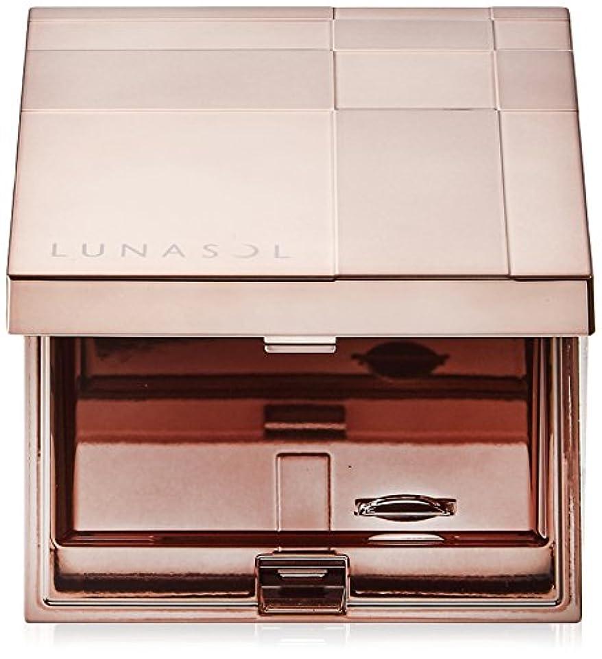 日常的にビルマそしてルナソル フエ-スカラ-コンパクト 化粧小物