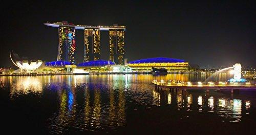 絵画風 壁紙ポスター (はがせるシール式) シンガポール 夜景 パノラマ マリーナベイ・サンズ マーライオン キャラクロ SGP-008S1 (1098mm×576mm) 建築用壁紙+耐候性塗料