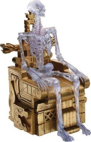 インディ・ジョーンズ/クリスタル・スカルの王国 クリスタル・スケルトン アクションフィギュア & 玉座 セット Indiana Jones and the Kingdom of the Crystal Skull Crystal Skeleton with throne