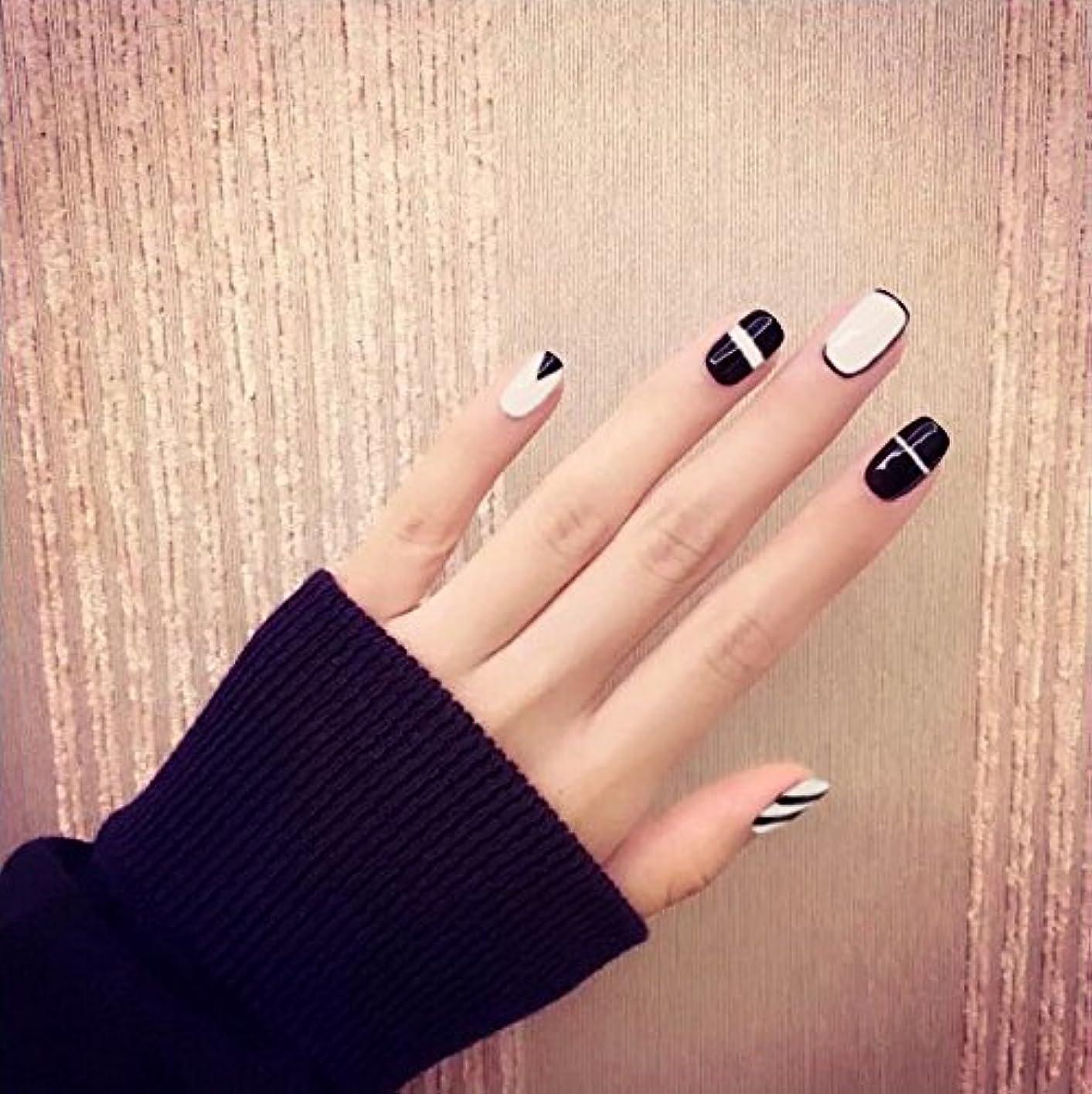 トレンド黒と白の偽の爪 24枚入 短いさネイルチップ ネイルチップの完成品 可愛い優雅ネイル ネイル花嫁 つけ爪 (B01)