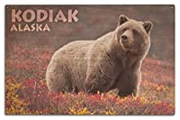 Kodiak , Alaska–Grizzly Bear andカラフルMeadow Flowers 10 x 15 Wood Sign LANT-73263-10x15W