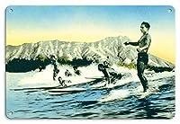 22cm x 30cmヴィンテージハワイアンティンサイン - 海の神々 - サーフライダー、ワイキキハワイ - ダイヤモンドヘッドクレーター - ビンテージなハワイアンカラーのハガキ によって作成された フランク・S・ウォーレン c.1930s
